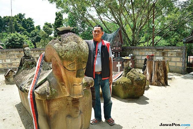 Mengunjungi Situs Megalitikum Makam Batu Para Raja Sidabutar di Samosir