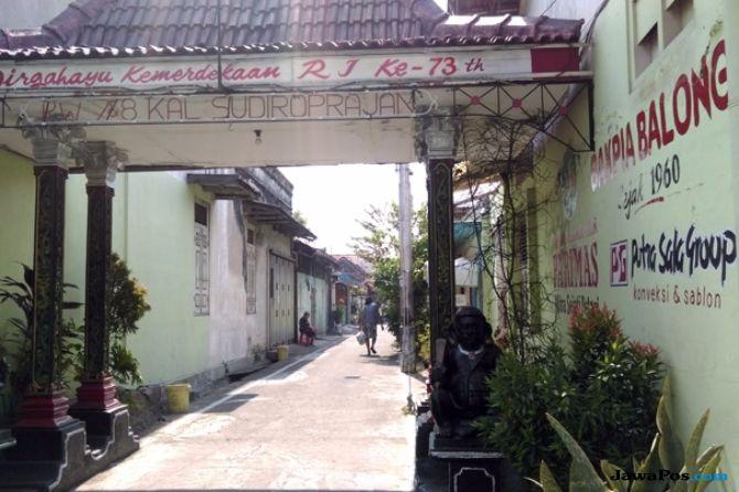 Kampung Balong