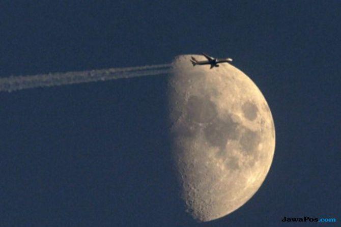 Miliarder Jepang Mau Jalan-jalan ke Bulan