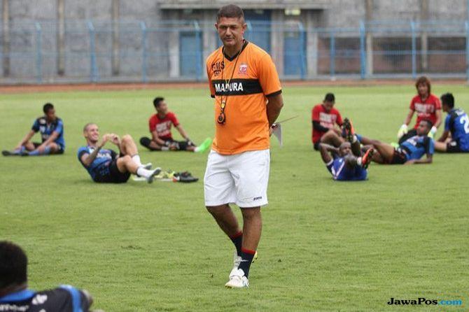 Gomes de Oliveira, Madura United, Liga 1 2018, Milomir Seslija