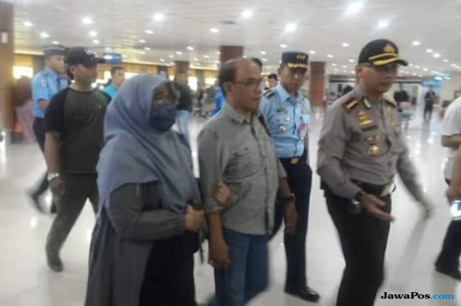 Neno Warisman Mengaku Dipaksa Kembali dan Diancam