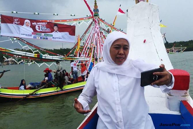 Khofifah nge-Vlog di petik laut Pamekasan