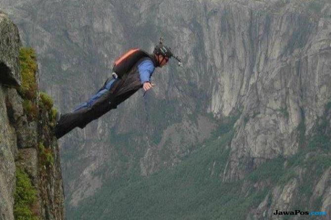 Ngeri, Seorang Atlet Lompat Tebing Tewas dalam Aksinya