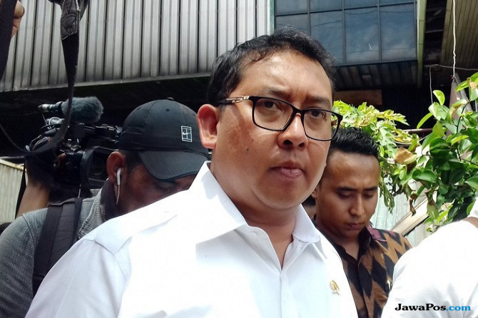 Novanto Tersangka e-KTP, Fadli Zon Siap Gantikan Posisi Ketua DPR