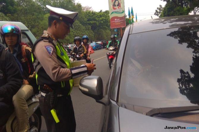 Nunggak Pajak Hingga Belasan Juta, Mobil Mewah Terjaring Razia