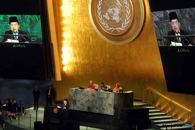 Peci JK di Sidang Umum PBB