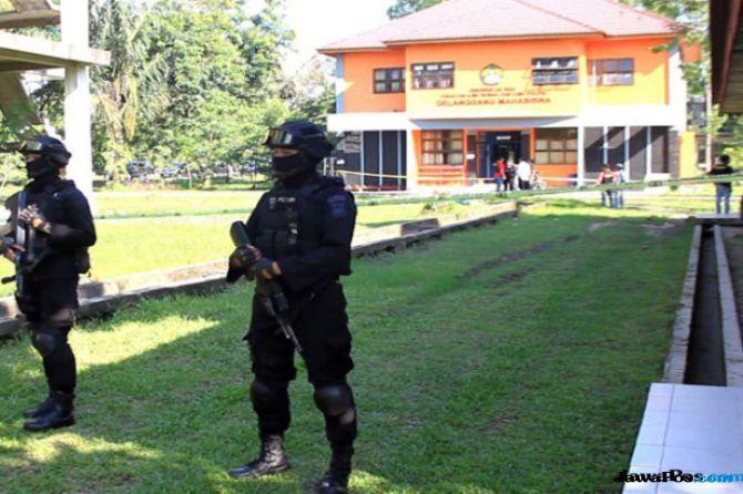 Pasca Bom Surabaya, 242 Terduga Teroris Belum Bebas