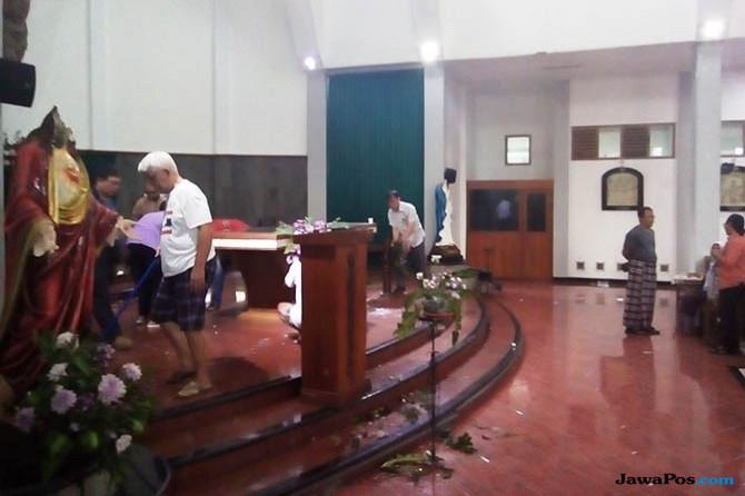 Pasca Penyerangan, Jemaat Gereja St Lidwina Lakukan Ini