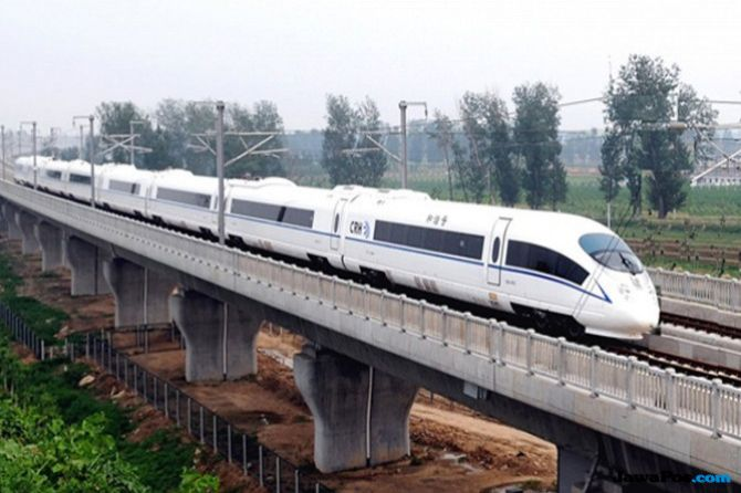 Pembatasan Impor Tak Ganggu Proyek Kereta Cepat Jakarta-Bandung