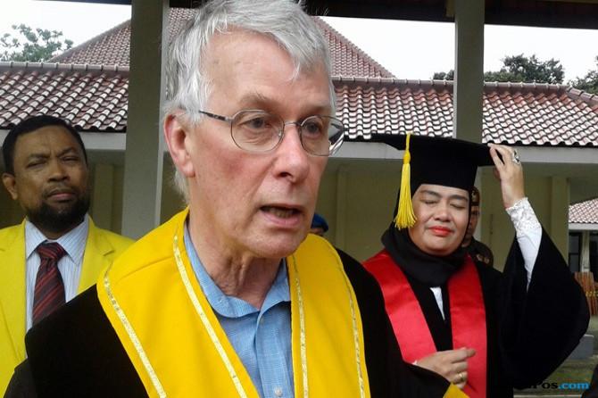 Penerima Nobel Kedokteran Peroleh Gelar Doktor Honoris Causa UI