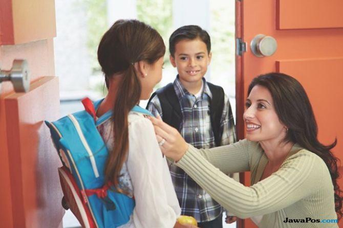 Perlukah Bunda Berebut Bangku untuk Anak Saat Tahun Ajaran Baru?