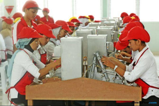 Perlunya Insentif Untuk Industri SKT Padat Karya