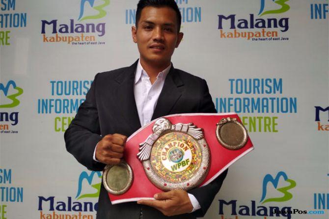 Juara Tinju Dunia, Hero Tito