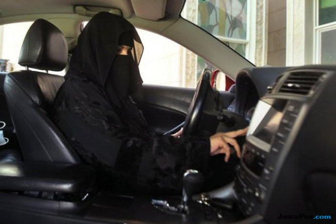 Pertama dalam Sejarah, Perempuan Saudi Dapat SIM