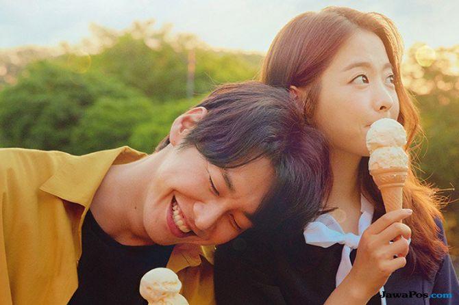 Perusahaan Peringatkan Soal Distribusi Ilegal Film 'Your Wedding'