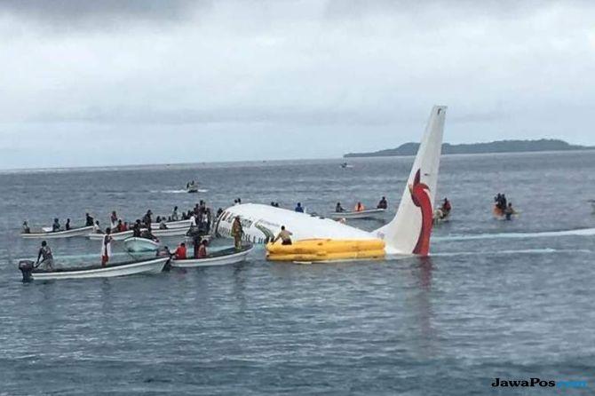 Pesawat Air Niugini Boeing 737-800 jatuh, Pesawat Air Niugini,