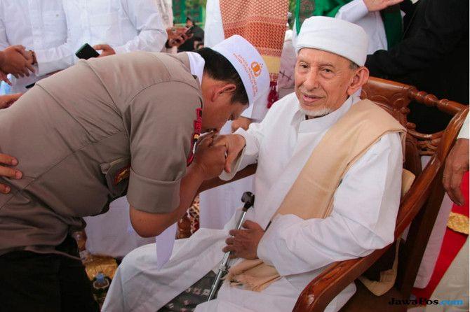 Pimpinan Al-Khairaat di Haul Emas Guru Tua: Jangan Merasa Paling Benar