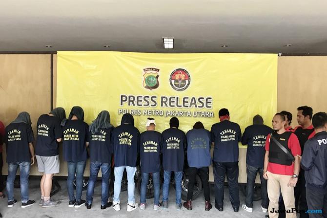 Polisi Pantau Pesta Gay di Surabaya Lewat Medsos