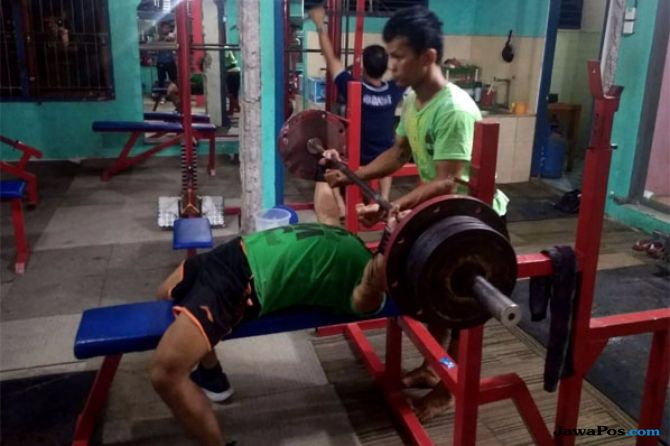 Atlet Angkat Besi Solok