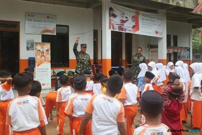 Prajurit TNI AL Bikin Siswa SD 'Ketagihan'