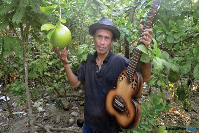 Puji Purwanto, Ciptakan Karya Seni dari Buah Pohon Maja