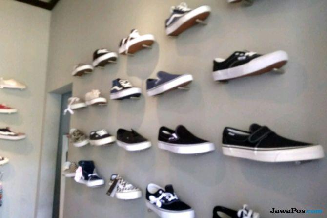 Raih Gelar Dokter Hasil Jualan Gorengan dan Jasa Cuci Sepatu