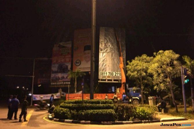 Reklame Tidak Sesuai Masterplan Kota Batam Ditertibkan