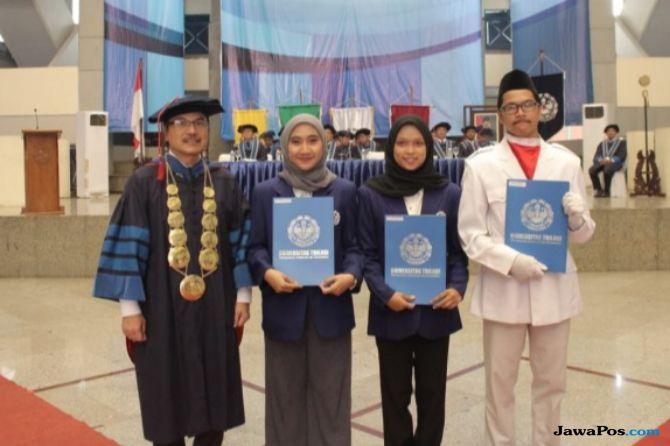Universitas Trilogi
