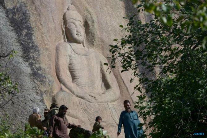 Relief Budha Swat di Pakistan yang Diledakkan Militan Pulih Kembali