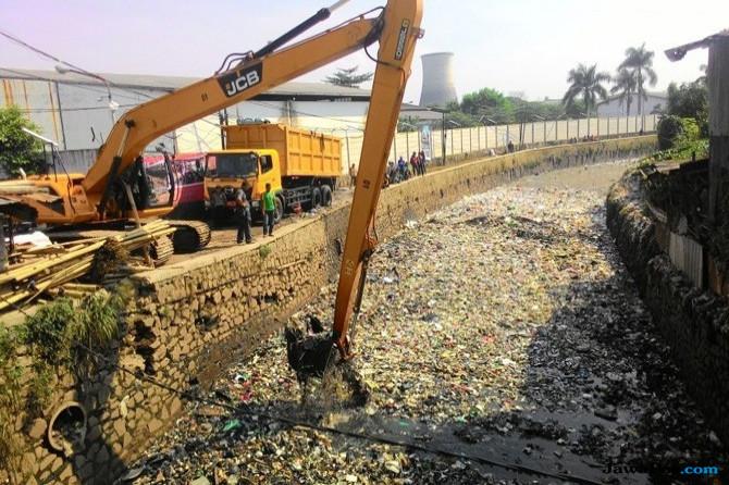 Revitalisasi Sungai Citarum, Pemerintah Disarankan Tolak Utang ADB