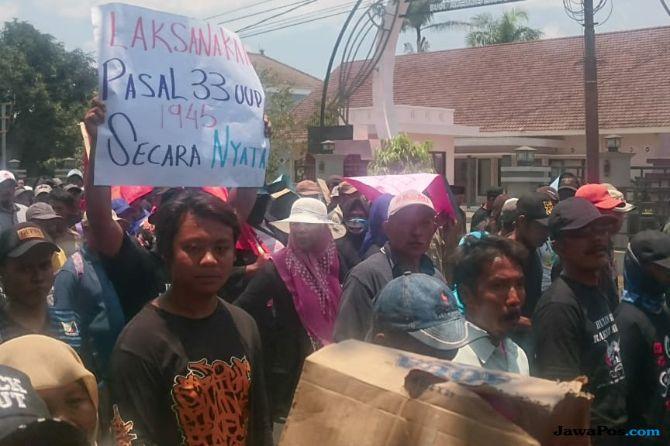 Ribuan Warga Malang Tuntut Pemberantasan Korupsi dan Mafia Hutan