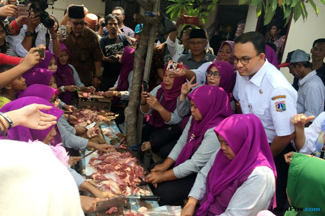 Ribuan Warga Miskin Ibu Kota Nikmati Daging Kurban Siap Saji