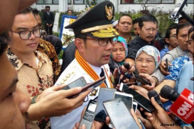 Ridwan Kamil Terharu Lantik Mantannya Jadi Wali Kota Bandung