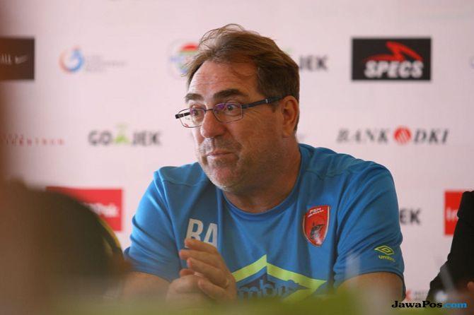 PS Tira, PSM Makassar, Liga 1 2018, Robert Rene Alberts
