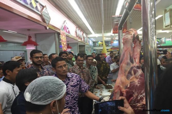 Sandiaga Akui Banyak Pedagang Sengaja Mainkan Harga Daging Sapi