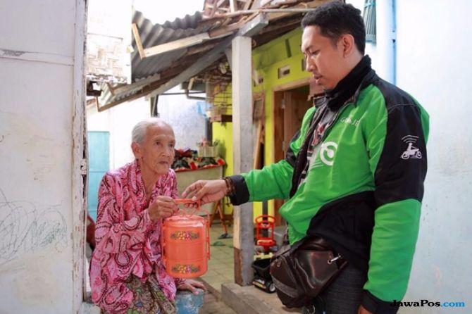 Senangnya Ribuan Lansia Banyuwangi Dikirimi Makanan Bergizi Gratis