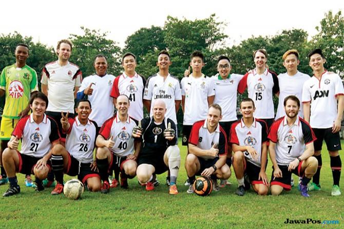 Sexpats Football Club, Komunitas Main Bola Segala Bangsa