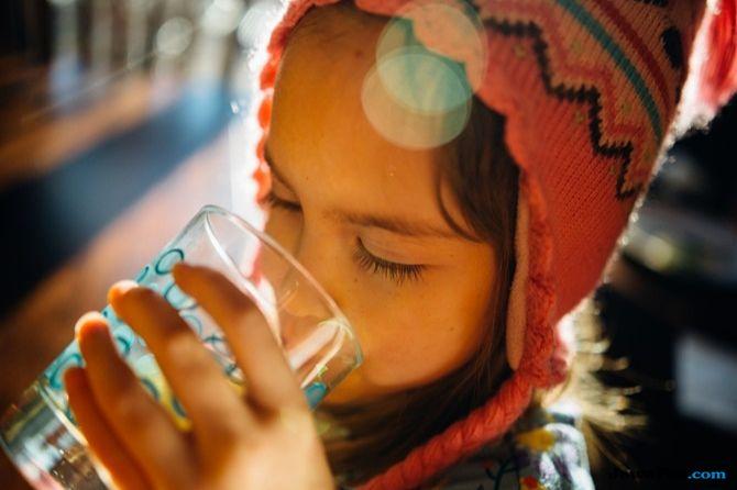 Tak Hanya 8 Gelas, Ini Aturan Minum Air Putih Berdasarkan Kondisi