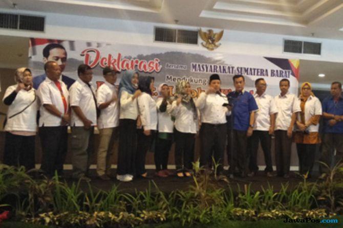 Tak Ingin Tumbang di Ranah Minang, Relawan Jokowi Tambah Amunisi