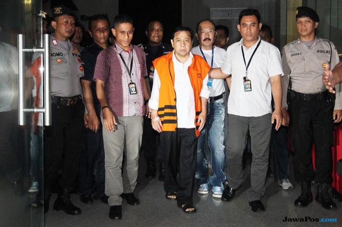 Tak Terima Berkas Dinyatakan P21, Pengacara Novanto Datangi KPK