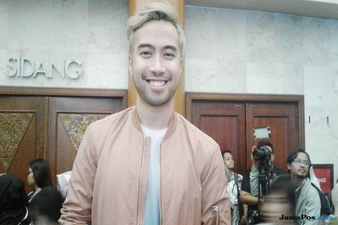 Tampil di Indonesia Fashion Week, Vidi Aldiano Ubah Warna Rambut