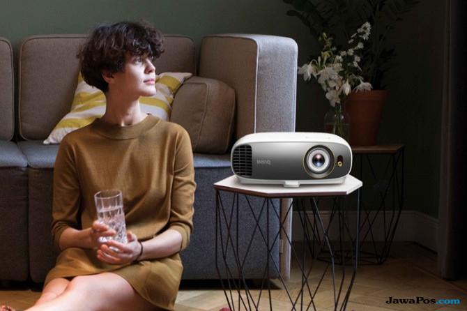 Teknologi Canggih Tawarkan Sensasi Nonton Bioskop di Rumah