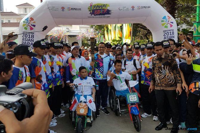 Terima Obor Asian Para Games, Anies: Atlet Difabel Bisa Berprestasi