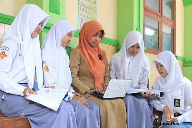 Trenggalek Kekurangan 1.038 Guru PNS