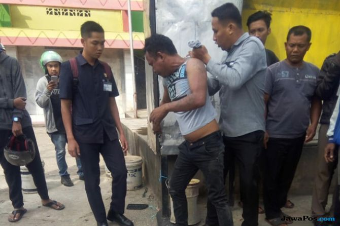 Tukang Ojek Tewas Terseret 12 Meter Dihantam Angkot, Sopir Dimassa