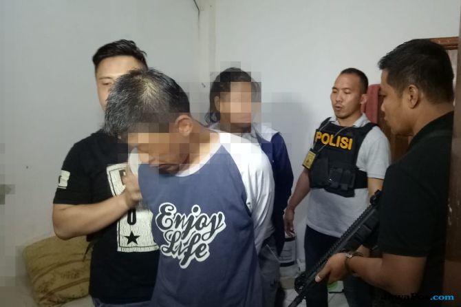 Usai 'Main Ranjang', Dua Sejoli Pengedar Sabu 40 Gram Diciduk Polisi