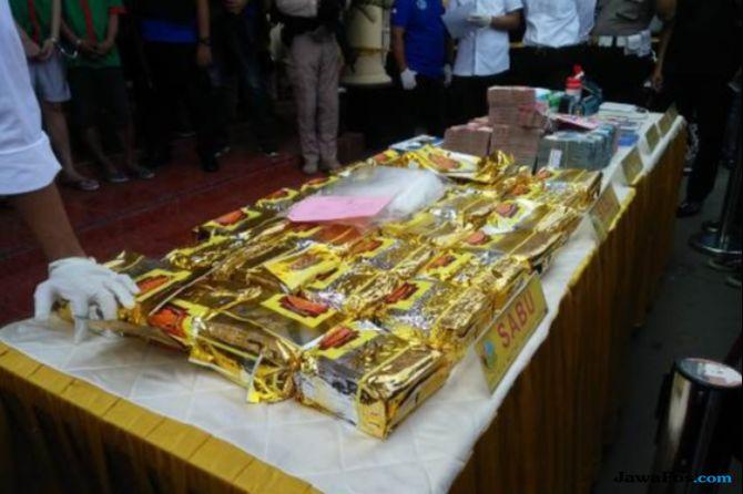 Usai Ungkap 30 Kilogram Narkoba, Polisi Geledah Pabrik Sabu