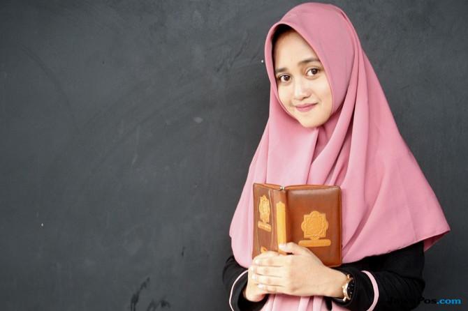 Veve Zulfikar, Qariah Muda dan Berprestasi, Sering Gantikan Ayah Mengajar Ngaji