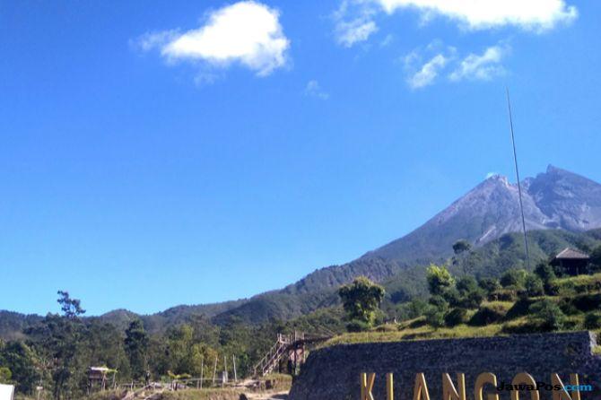 Warga Cangkringan Belum Khawatir dengan Lava Pijar Gunung Merapi