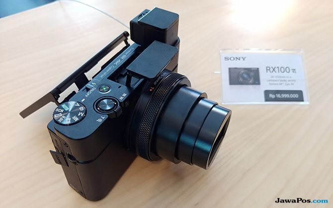 Sony RX100 Mark VI, Kamera Saku Premium Berbekal Lensa Zoom Ampuh